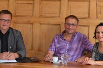 Gastroberater Hansueli Diesterbeck (links) mit Isabel Dionisio und Werner Scherrer.